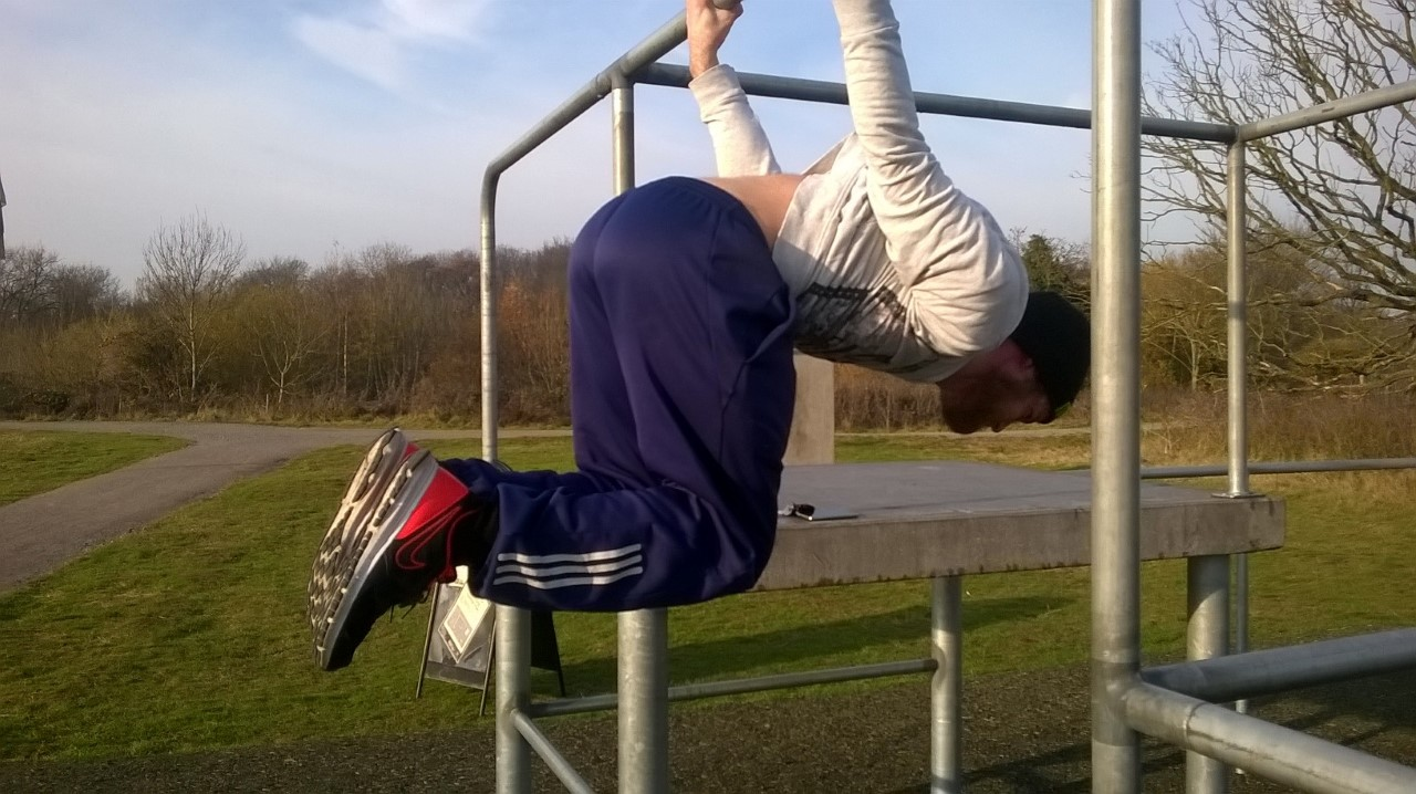 advanced-tuck-back-lever