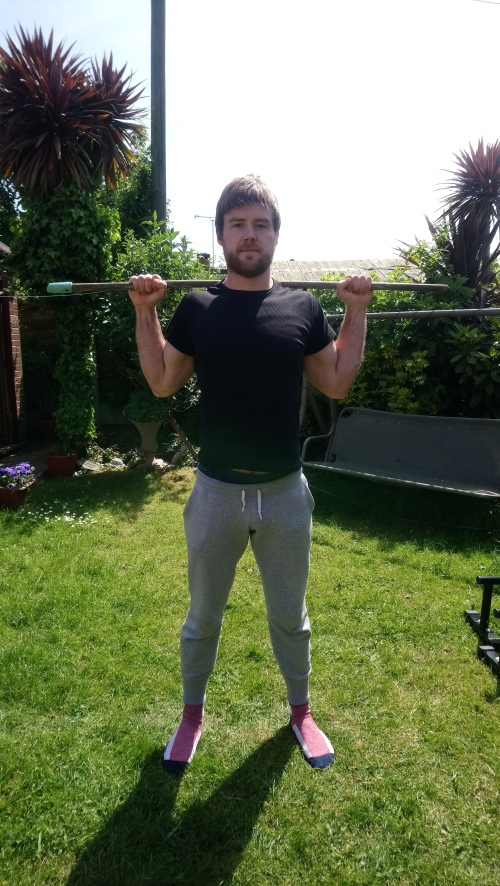 Front view shoulder external rotation for squats